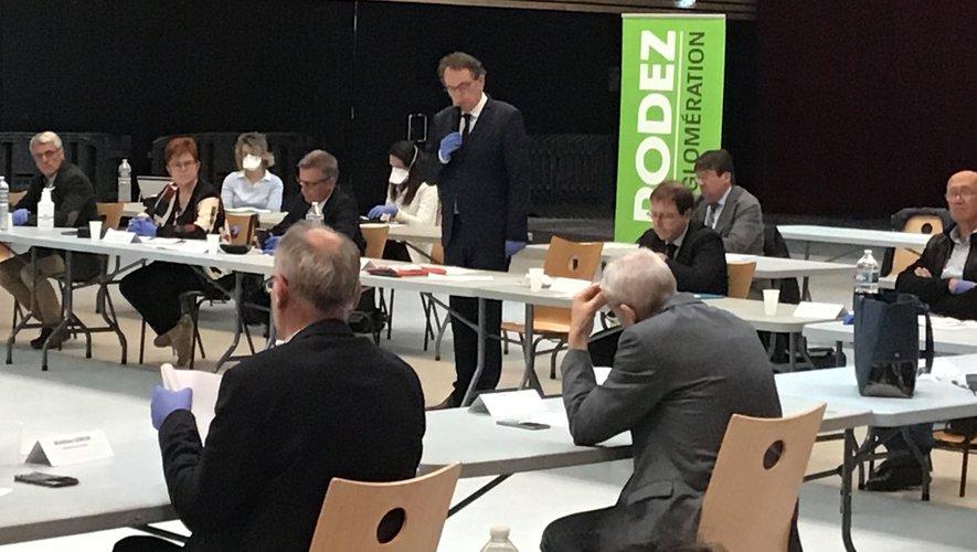 Les élus communautaires de Rodez agglomération se sont retrouvés ce mardi 14 avril à la salle des fêtes de Rodez.