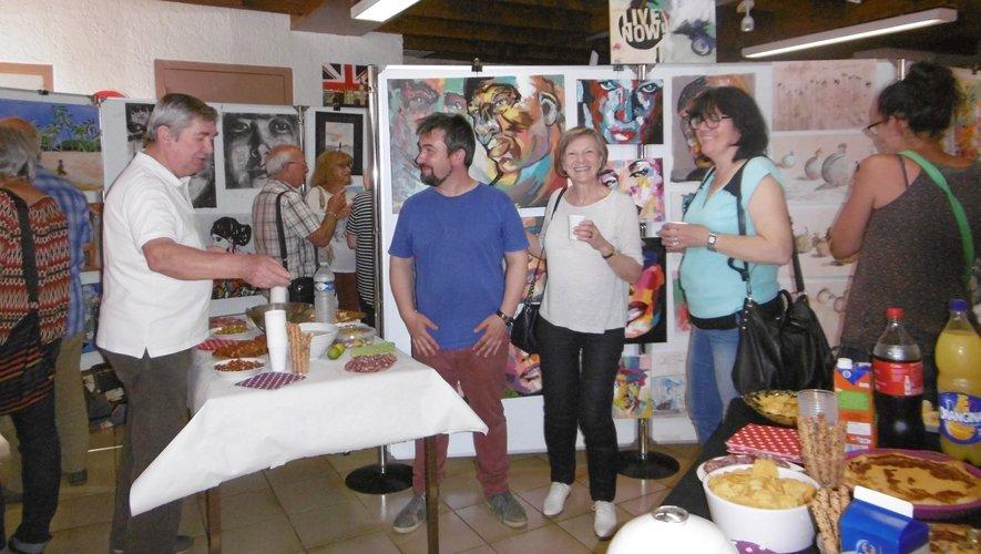 En mai 2017, Sébastien Boscus, bien entouré pendant l'exposition des «zactistes».
