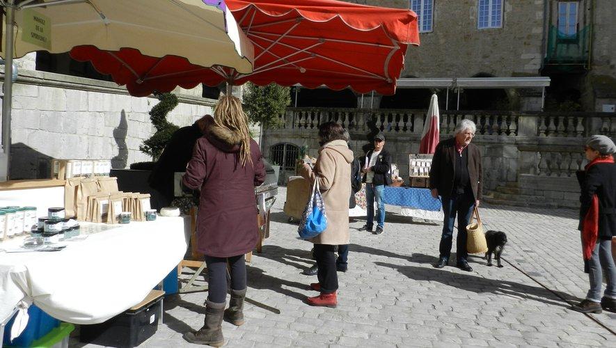 Les étals devront être espacés et limités à deux par point de vente./Photo DDM