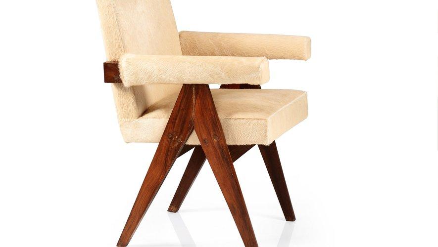 Pierre Jeanneret Paire de fauteuils PJ-SI-30-A dits Committee, 1959-1960 Estimation : 10.000-15.000€