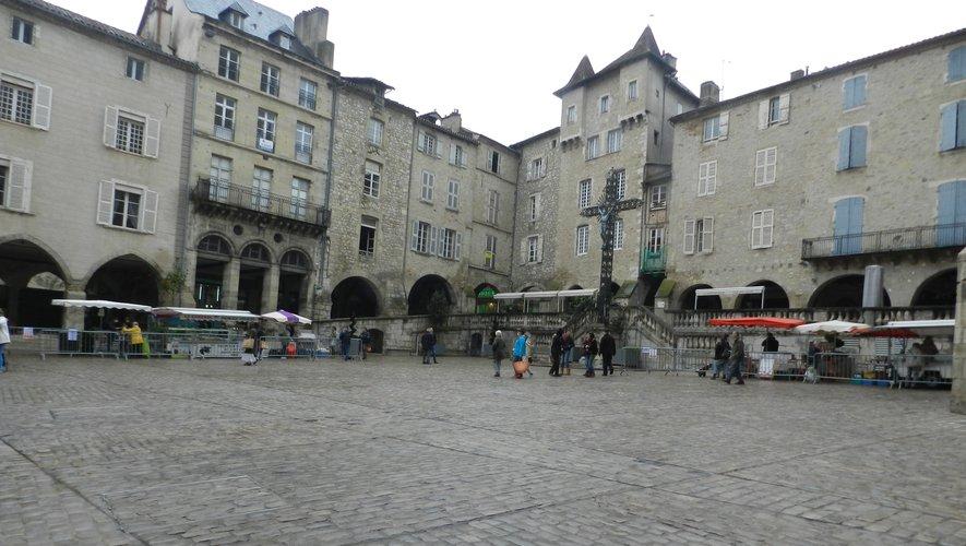 Un point de vente était installé la place Notre-Dame, un autre place Lescure et le troisième devant la halle.
