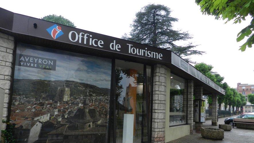 L'Office de tourisme est fermé mais reste joignable au téléphone.