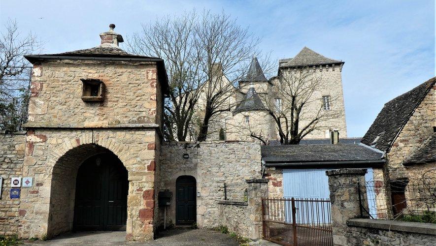 Le château de Balsac.