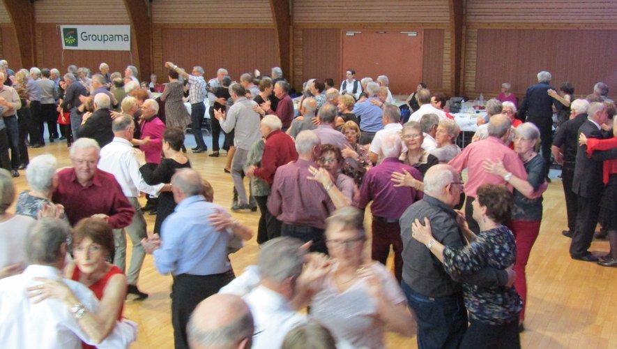 Thés dansants, chorales et autres manifestations en faveur de Retina seront repoussées à une date ultérieure, probablement à l'automne.