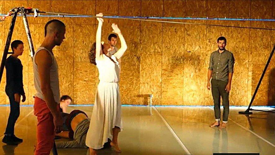 Spectacle de danse à l'Essieu du Batut