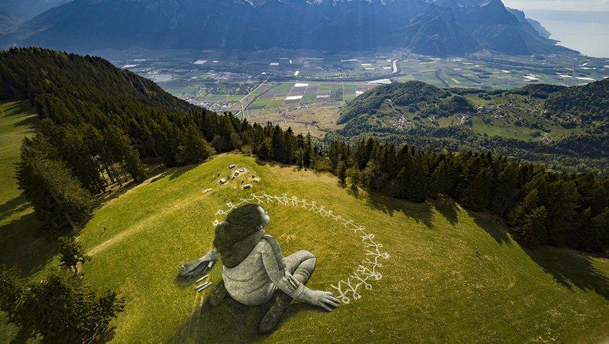 La dernière réalisation de Saype en Suisse.