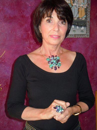 Pas de temps mort pour la créatrice de bijoux Chantal Lalle