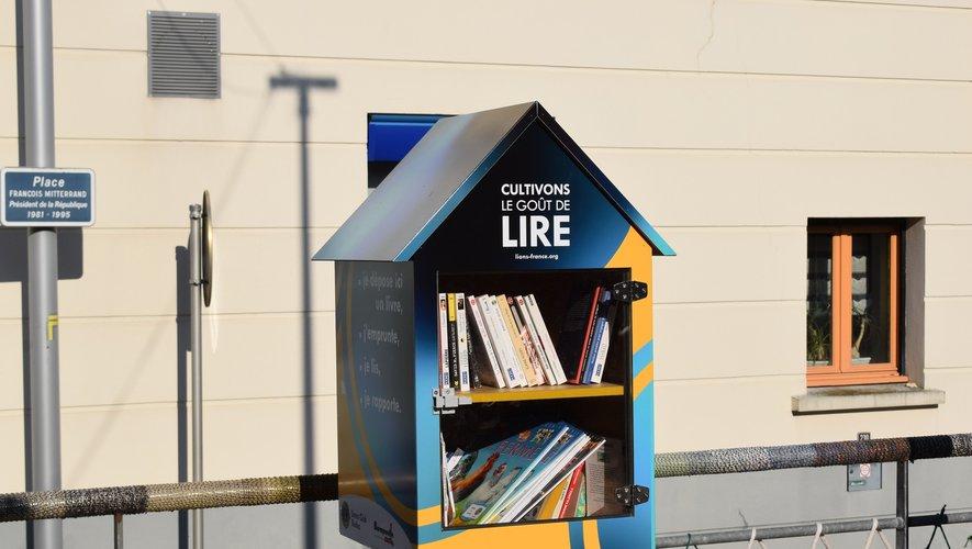 La boîte à livres sera le lieu de dépôt.