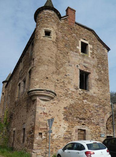 Le château d'Ampiac.