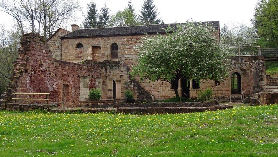 Le Prieuré du Sauvage fut rattaché au séminaire de Rodez et vendu aux enchères comme bien national en 1793.