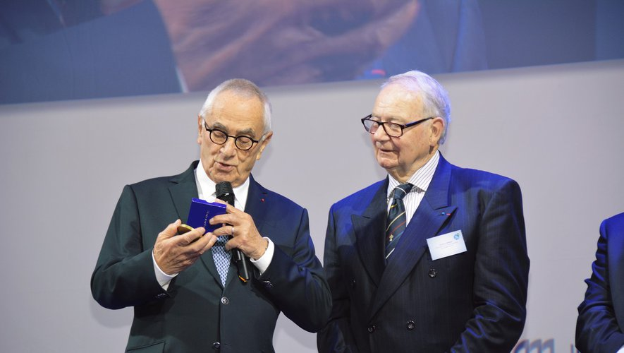 Christian Bernad, à droite, président de l'association pour l'aménagement de la vallée du Lot, à côté de Martin Malvy alors président du conseil régional Midi-Pyrénées.