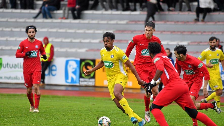 Deux ans après son arrivée, Dorian Caddy quitte Rodez pour Laval.