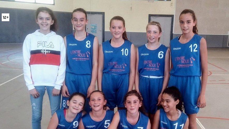 Les U13 F de Martiel, seule formation de jeunes en championnat régional.