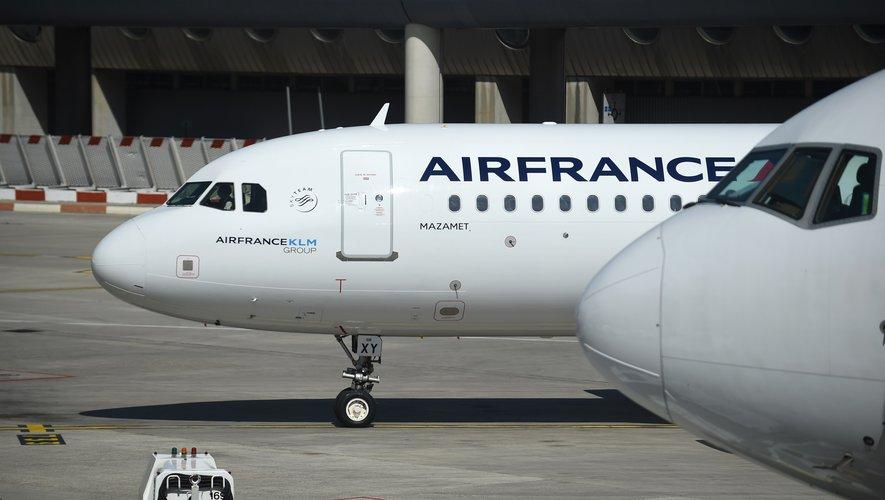 Comme le reste des compagnies aériennes, Air France multiplie les mesures sanitaires afin de rétablir la confiance et relancer un trafic aérien anémié.