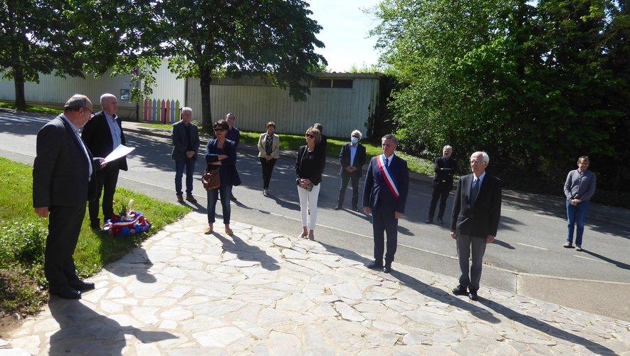 Au monument aux morts de La Primaube.