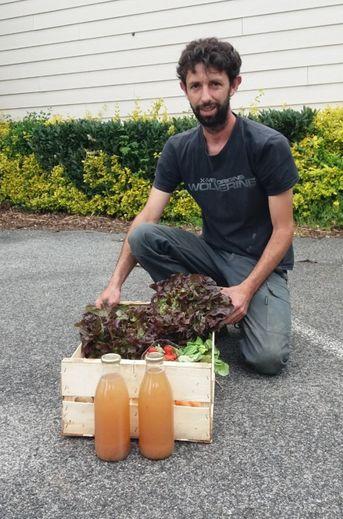 C'est le moment de prendre un partenariat avec Fabien de l'Amap des Boraldes pour profiter chaque semaine d'un panier de fruits et légumes cultivés localement.