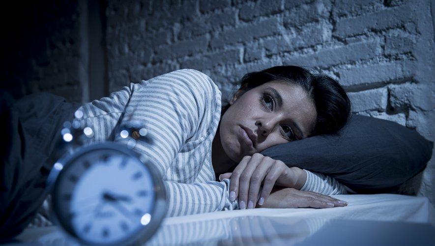 """Comparés aux """"dormeurs normaux"""", les petits et les gros dormeurs sont plus nombreux à déclarer avoir fait  une crise d'asthme au cours de l'année écoulée (45% contre 59% et 51% respectivement)."""