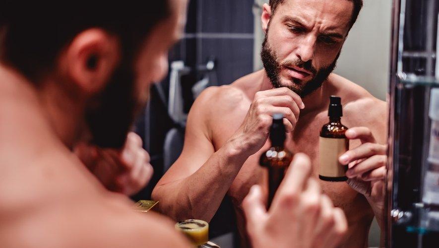 Plus de la moitié des hommes français déclarent avoir pris plus soin d'eux pendant le confinement, d'après une étude menée par OpinionWay pour Celio.