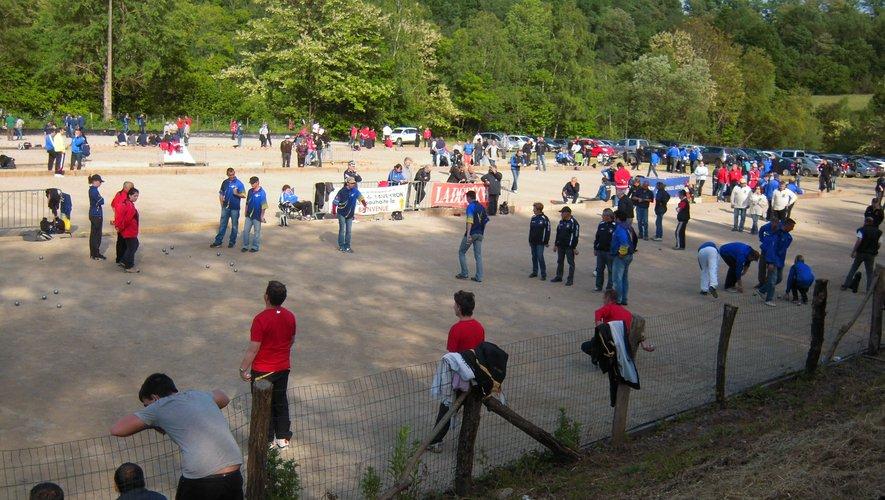 Depuis plusieurs années, les compétitions mixtes attirent du monde comme ici à Cransac.