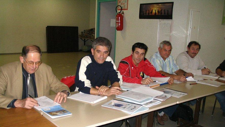 L'assemblée générale du district en 2006 avec José Duarte, 2e à partir de la gauche, qui avait succédé à Georges Balestié, à gauche.