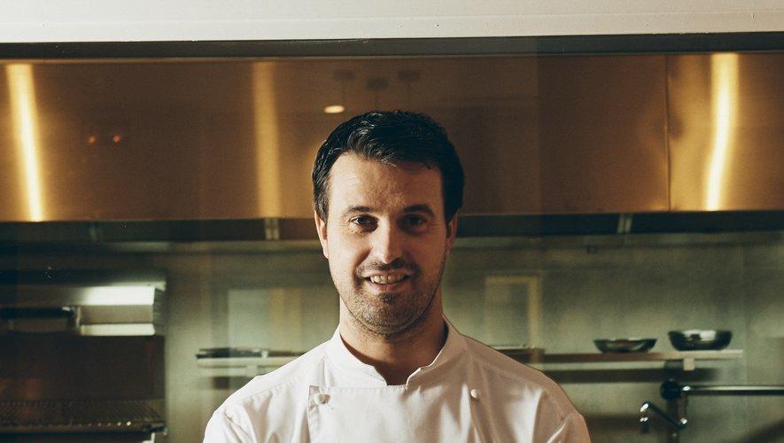 Originaire de Saint-Cyprien-sur-Dourdou, Julien Boscus tient le restaurant Origines dans le 8e arrondissement de Paris.