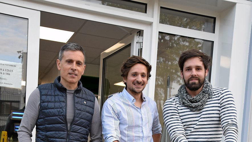 Lionel Martin, le père, Dimitri Martin, le fils, et Kévin Courtin, l'ami toulousain ingénieur, vont choisir un modèle parmi les trois prototypes créés.