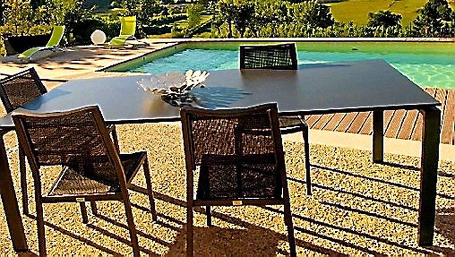 « Villas Bellevue d'Aveyron », Bellevue à Sainte-Eulalie-d'Olt.