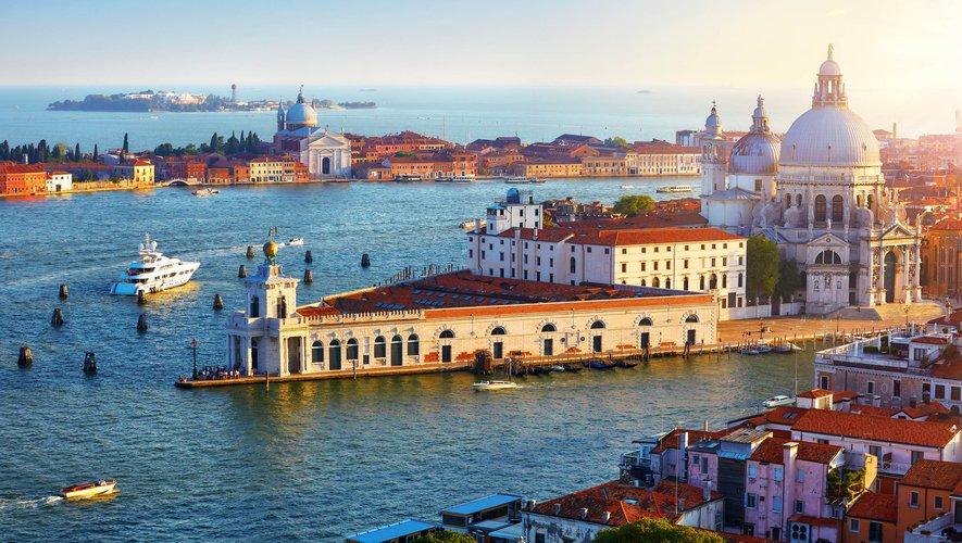La 17e Biennale d'architecture de Venise, initialement prévue du 29 août au 29 novembre 2020, a été reportée à l'année prochaine