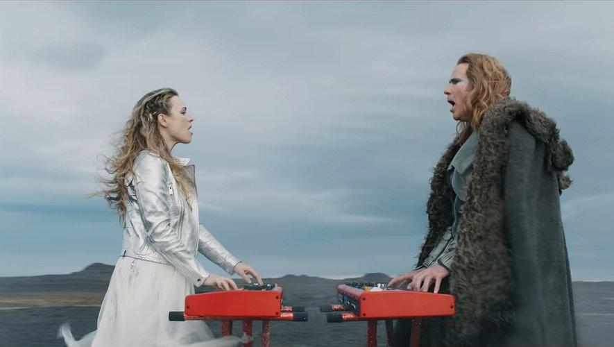 """Rachel McAdams et Will Ferrell dans """"Eurovision Song Contest: The Story of Fire Saga"""", attendu en juin sur Netflix"""