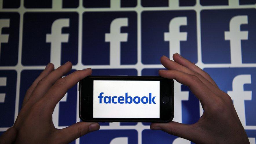 """Facebook a lancé mardi un nouvel outil, baptisé """"Facebook Shops"""", qui permet aux marques de créer un """"magasin"""""""