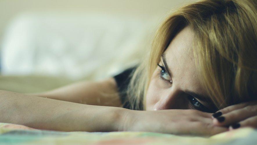 Les résultats de cette méta-analyse suggèrent que certains troubles tels que l'anxiété ou un stress-post traumatique peuvent persister pendant des mois, voire des années, chez les patients touchés par le Covid-19.