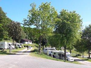 L'aire de camping-cars connaît déjà l'affluence des mois d'été.