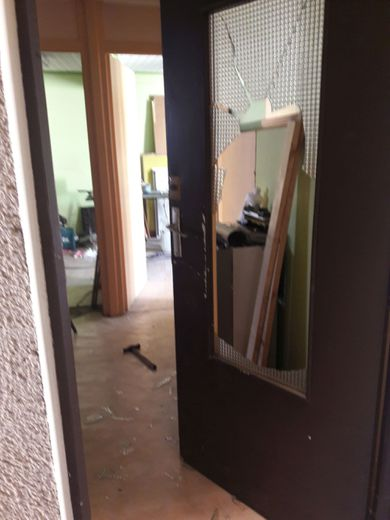Une plainte a été déposée au commissariat par le propriétaire.