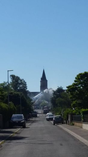 La maison en centre-ville de Réquista a été détruite par les flammes.