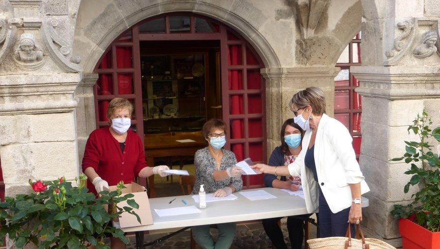 Tous les habitants de la commune ont été dotés de masques.