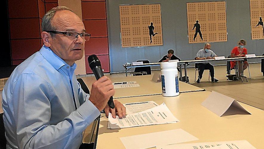 Le maire François Marty a rappelé les règles et les enjeux des élus locaux.