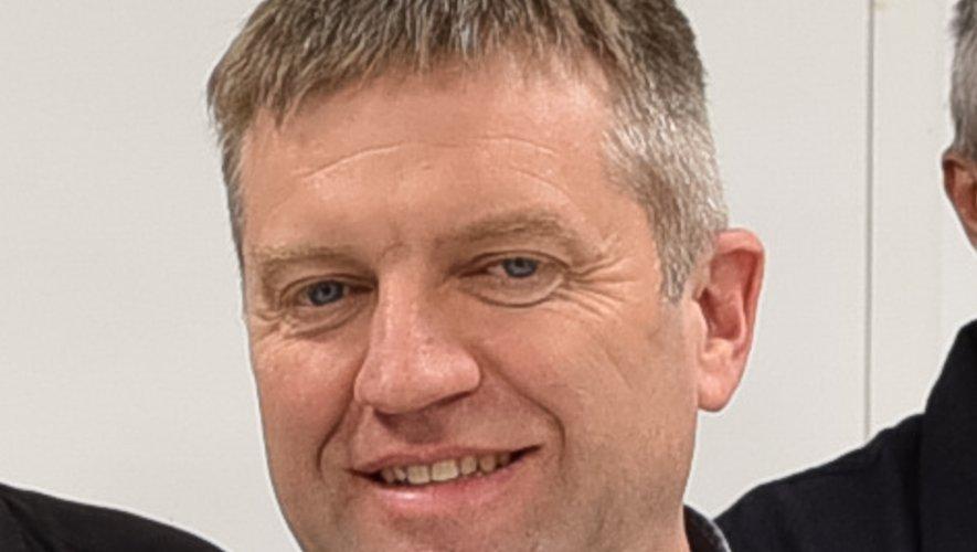 Franck Mani succède à Gérard Albagnac en tant que maire
