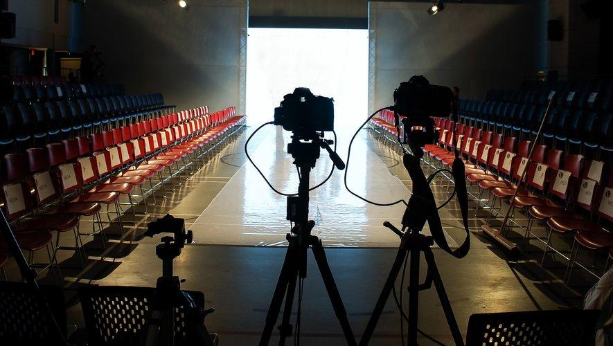 Les Fashion Weeks homme auront bien lieu à Londres, Milan, et Paris, mais en version digitale.