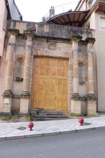 Le portail de la Chapelle des Ursulines
