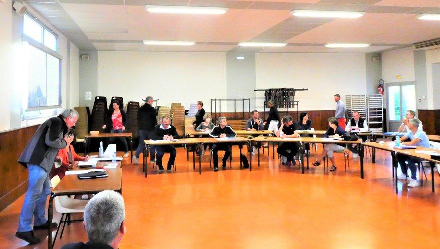 Les élus pendant le vote du maire et de ses adjoints.