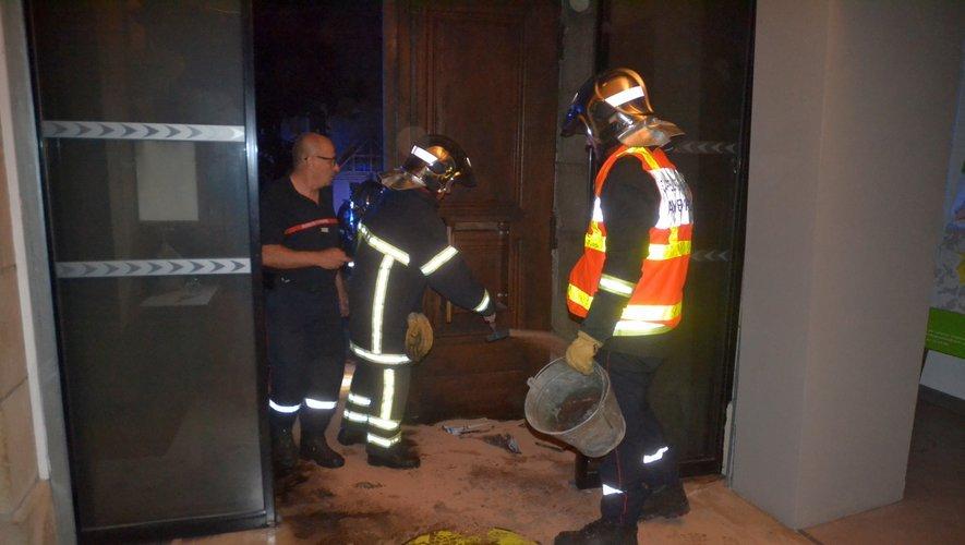 L'Incendie semble volontaire, la mairie va porter plainte.