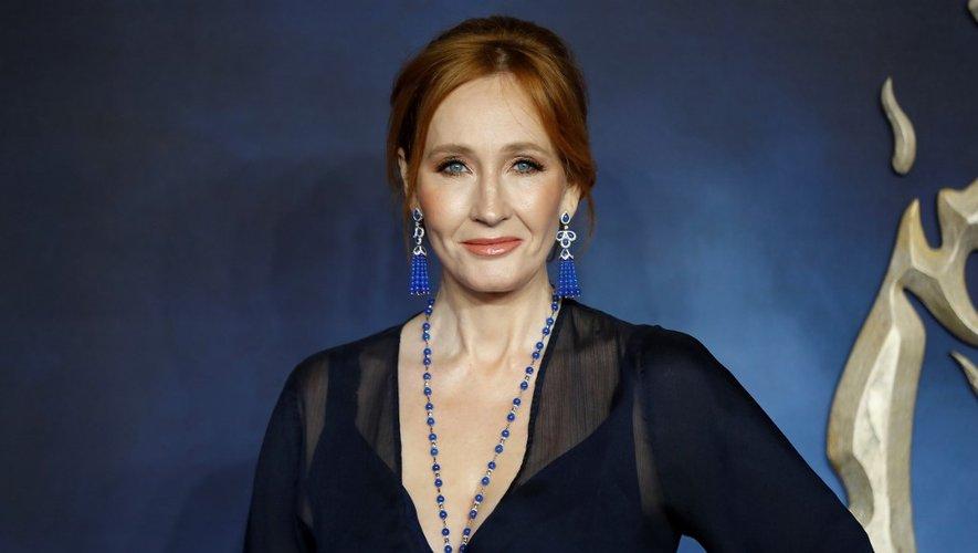 Le livre de J.K. Rowling doit être publié en format papier, numérique et audio en novembre, chez Gallimard jeunesse pour la version française.