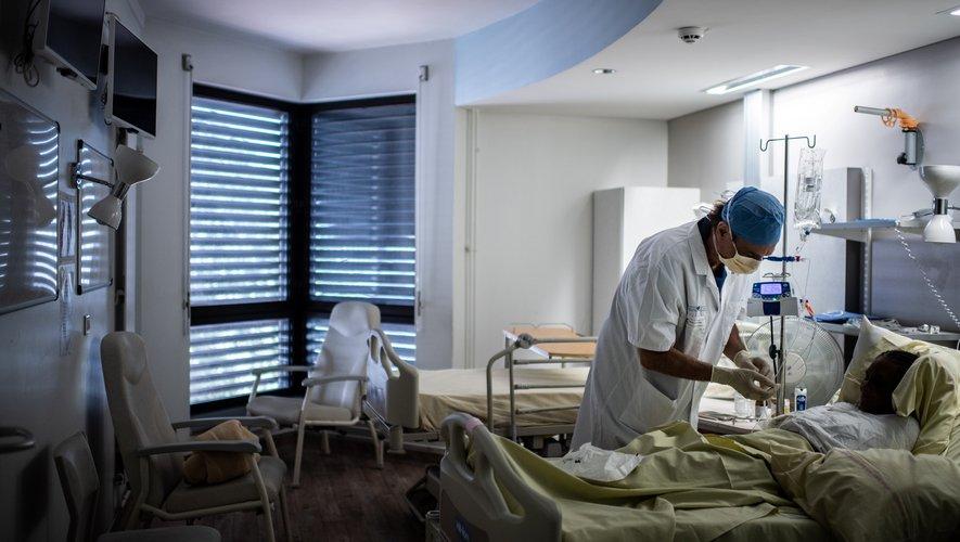 """Des milliers de personnes disent souffrir d'un """"Covid persistant"""", laissant les médecins souvent démunis."""