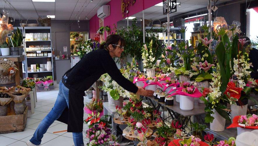 Après avoir dû jeter ou donner des plantes pendant le confinement, les fleuristes ont pu refaire des stocks. Comme chez Jo'lys Fleur à Sébazac.