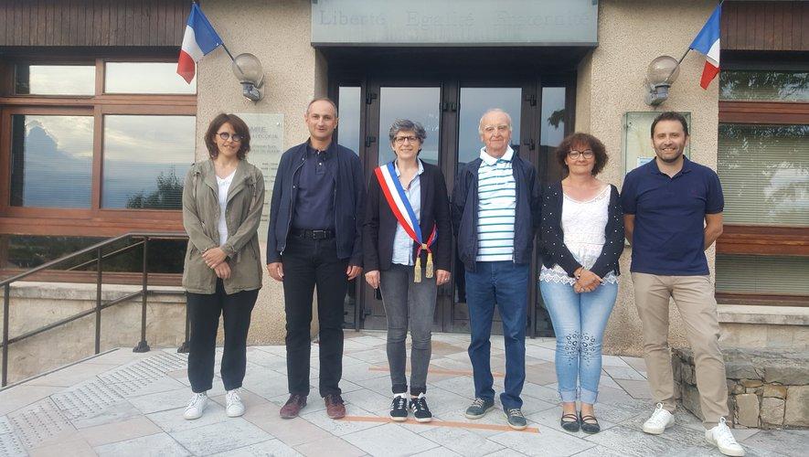 De gauche à droite : Pauline Rocacher, Jean-Pierre Roger, Laurence Pagès-Touzé, Henri Mendaille, Régine Lagarde et Sébastien Gaillac.