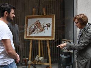 Les peintures de Suzette retrouvent la cave d'Éric