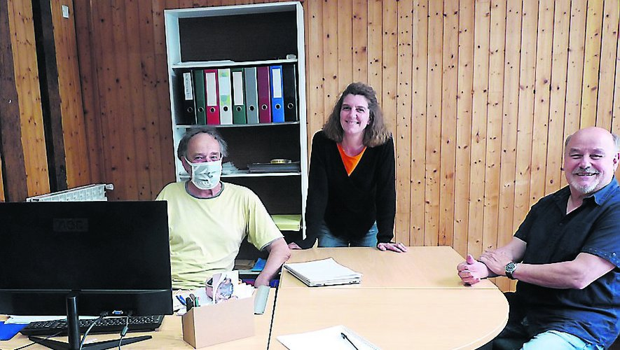 Sophie Tranchart entouré de Jean Lafon et Guy Pezet, deux des quatorze administrateurs d'EnerCOA./Photo FEG.