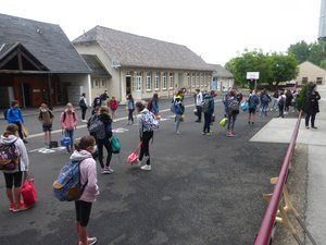 62 élèves fréquentent actuellement le collège.