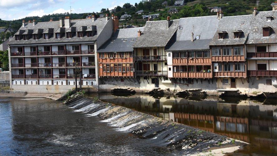 L'immeuble du  moulin, aujourd'hui habitation,et les vieilles tanneries témoins d'une époque révolue.