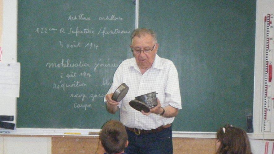 Jean-Pierre Huguet a toujours suscité l'attention des élèves lors de ses interventions.